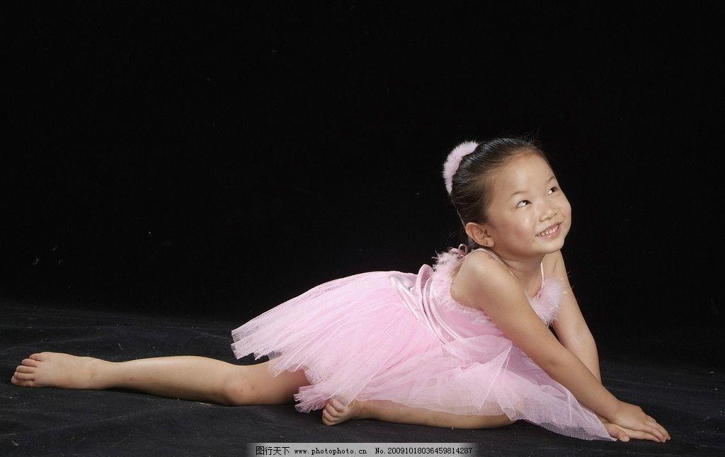 舞蹈女孩 练功 笑容 可爱 黄亦飞 儿童图片 儿童幼儿 摄影