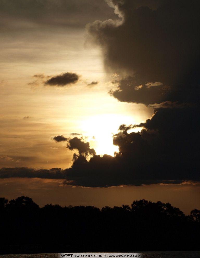 黄昏 玩笑 暖调 夕阳 云 云层 湖 壮丽自然 自然风景 自然景观 摄影