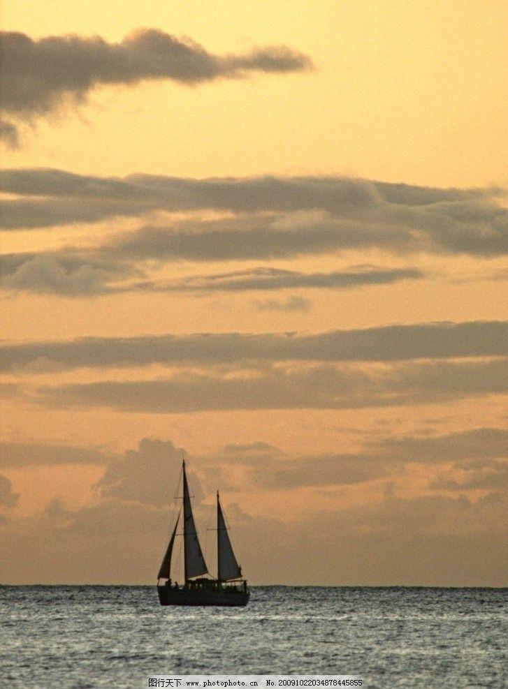 大海风光 浪花 海浪 天空 帆布 船只 云朵 傍晚 晚霞 大海风景 自然