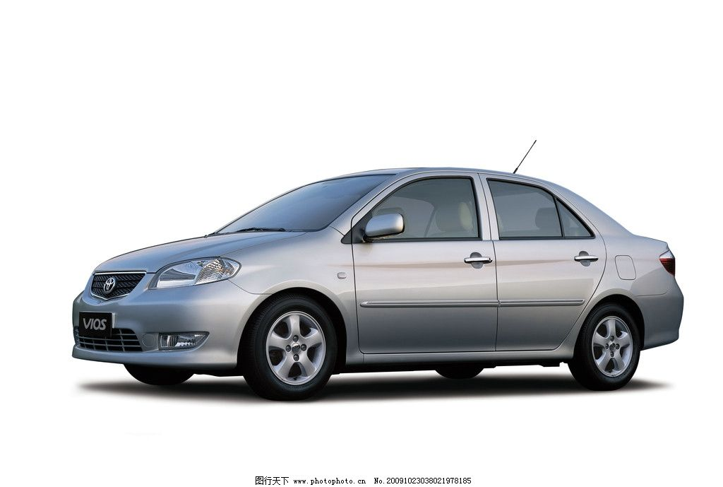 摄影图库 现代科技 交通工具  威驰 汽车 丰田 银色 白底 高清 照片