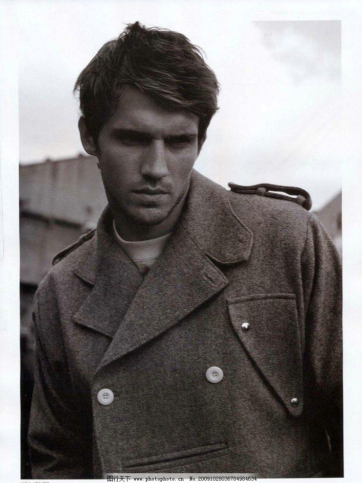 复古男人 黑白 时尚 大衣 风衣 时装 照片 型男 沧桑 男性