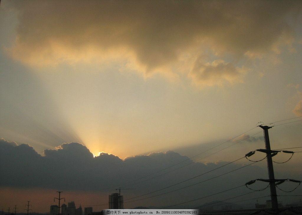 清晨阳光 光影 太阳光 清晨 云雾 风景 自然 景观 自然风景 自然景观