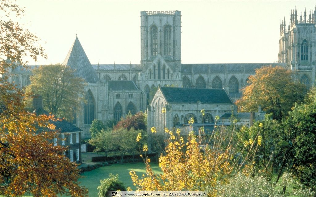 教堂 天空 建筑 树林 草地 小房子 英国风景 国外旅游 旅游摄影 摄影