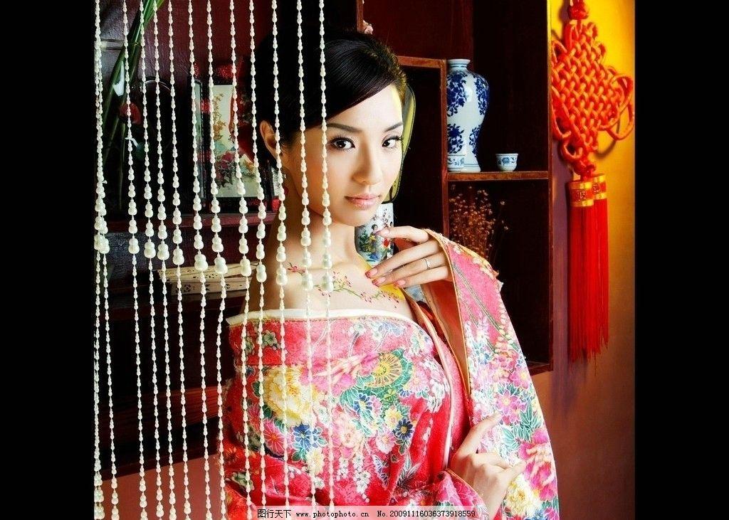 漂亮 梦幻 琴 古筝 树叶竹子 古代 门 窗 珠帘 中国结 花纹 酒杯 古装