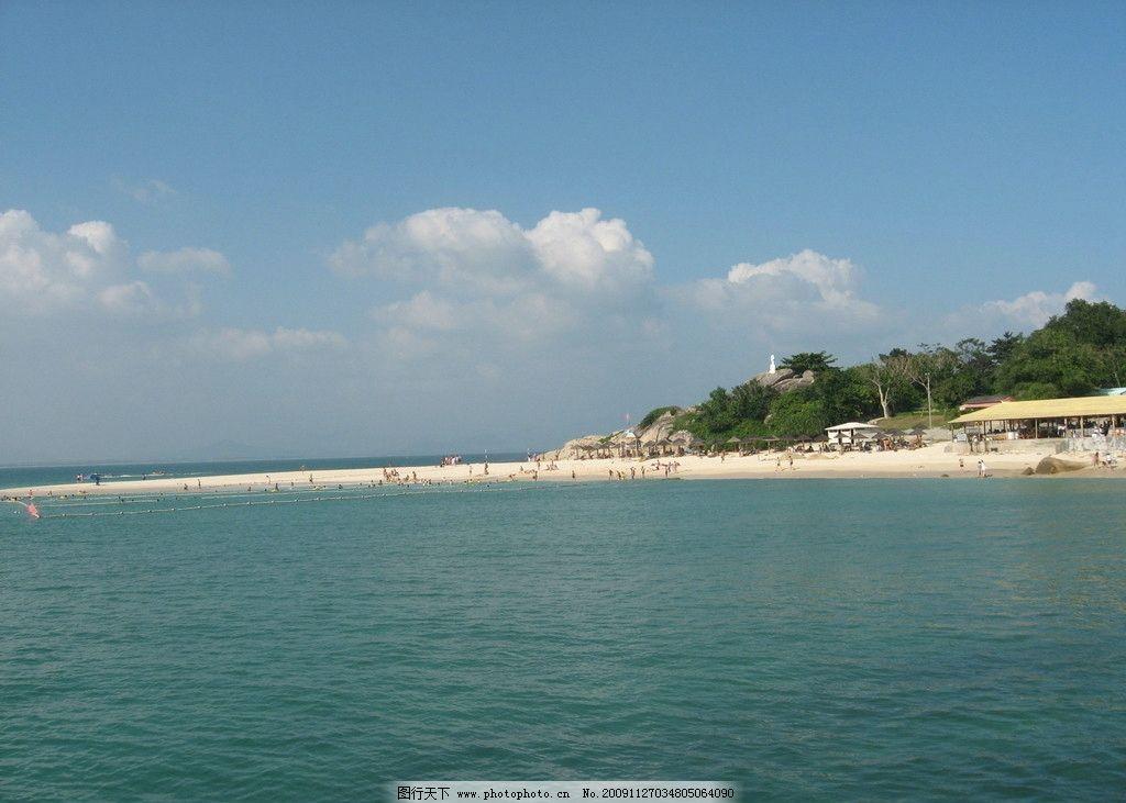 海天相接 蓝天 白云 沙滩 小岛 自然风景 自然景观 摄影