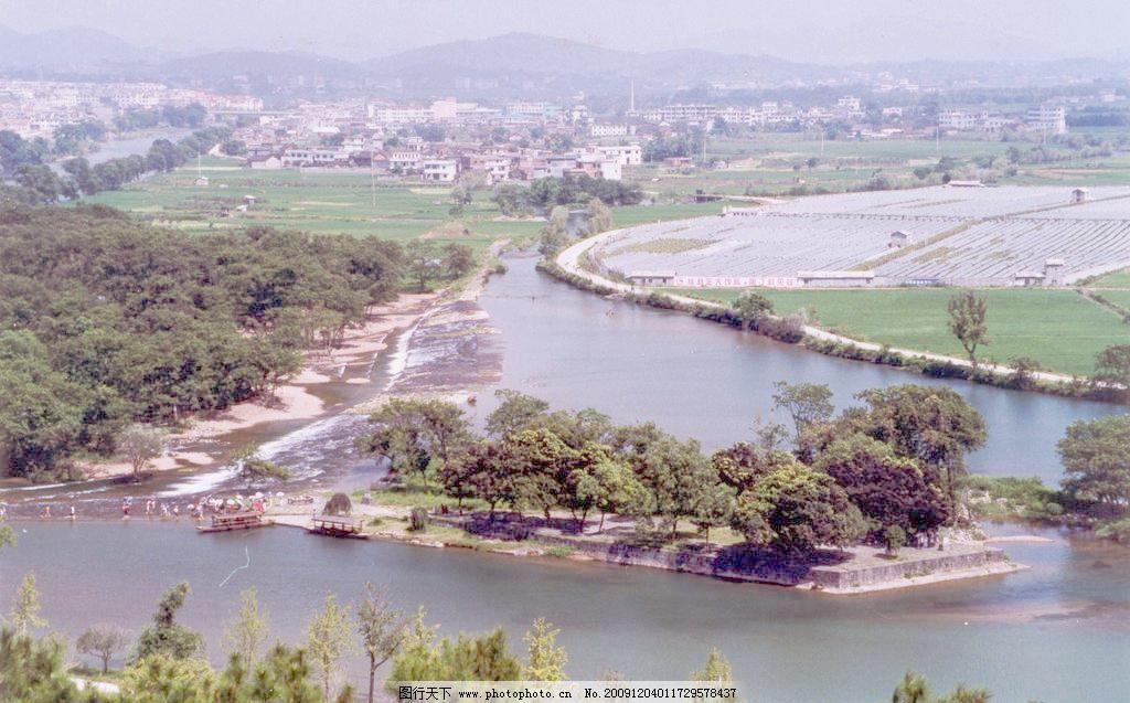 风景画 城镇 村庄 大地 道路 风景山水图 河流 农村 风景画图片素材