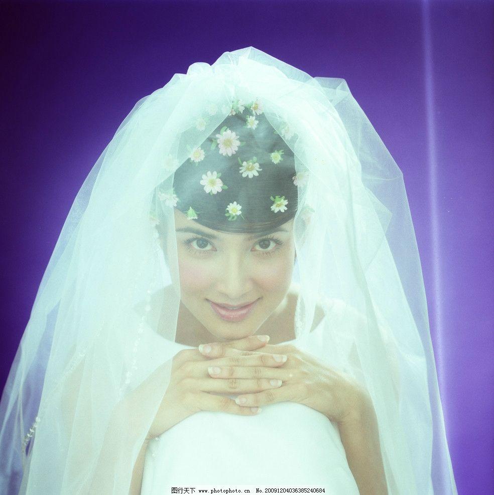 金粉佳人 漂亮新娘 美女 笑容 艺术照 婚纱照 背景 摄影 人物摄影