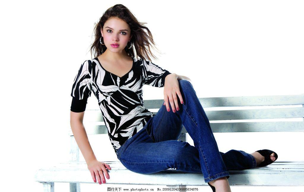 模特 画册 女外模 牛仔裤 摄影 坐姿 女性女人 人物图库 350dpi jpg