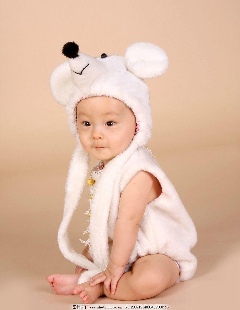 幼稚 婴孩 bb 宝贝 健康 成长 活泼 动作 姿势 玩耍 幼儿服饰 婴儿服