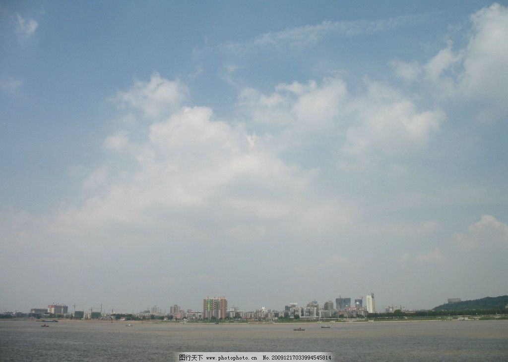 旅游摄影 国内旅游  长江岸边 湖北 武汉 旅游 长江 江滩 风景 天空