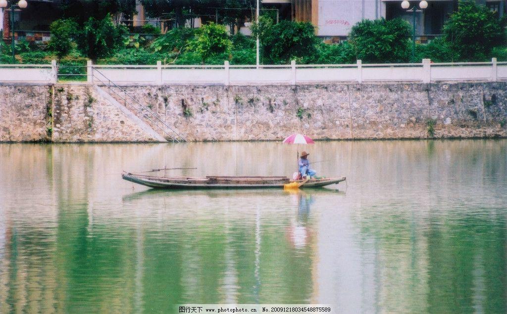 河流 静 宁静 安静 河岸 木伐 自然风景 自然景观 摄影 清江小船 江中