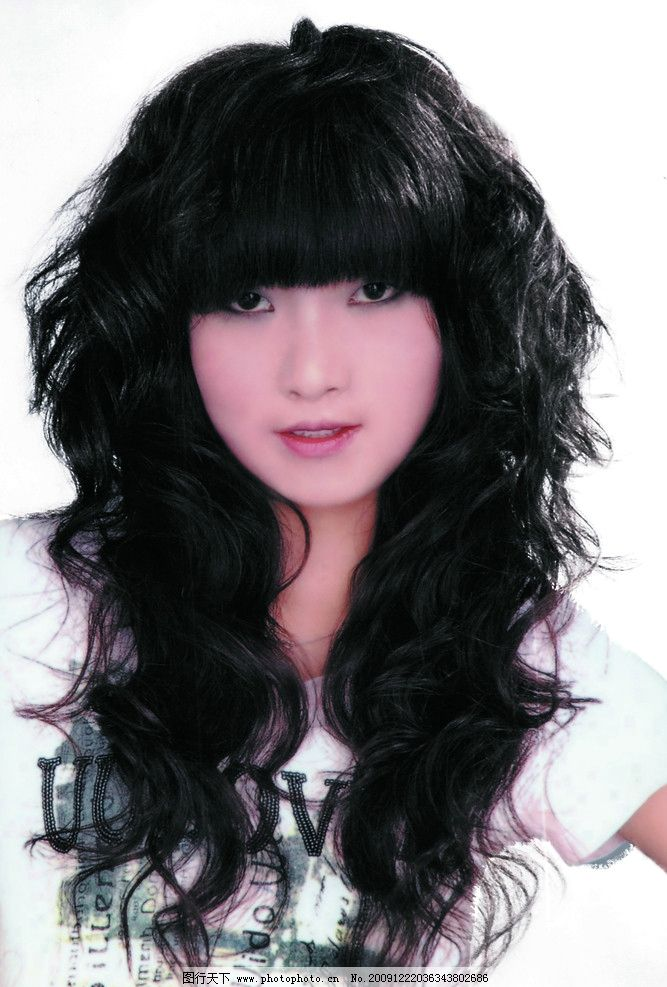 卷发 陶瓷卷 个性发型 美女发型 发艺 长卷发 头发 黑头发 黑发型图片