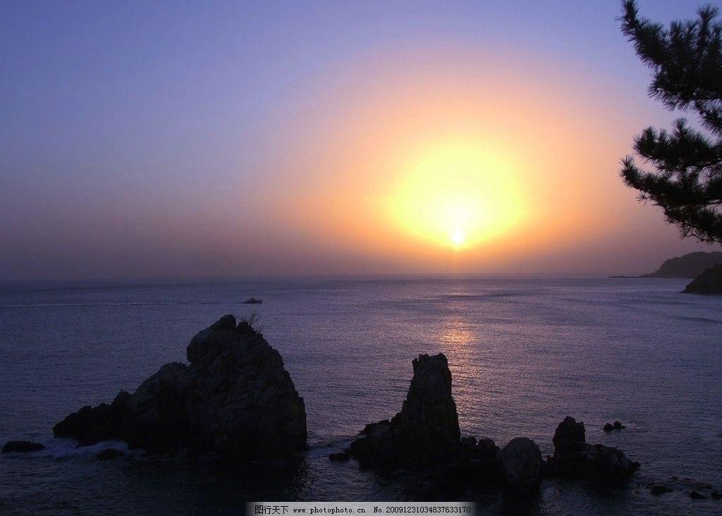 海上日出 大海 海边 沙滩 太阳 日出 自然风景 自然景观 摄影 72dpi j
